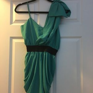 Dresses & Skirts - Green one shoulder dress